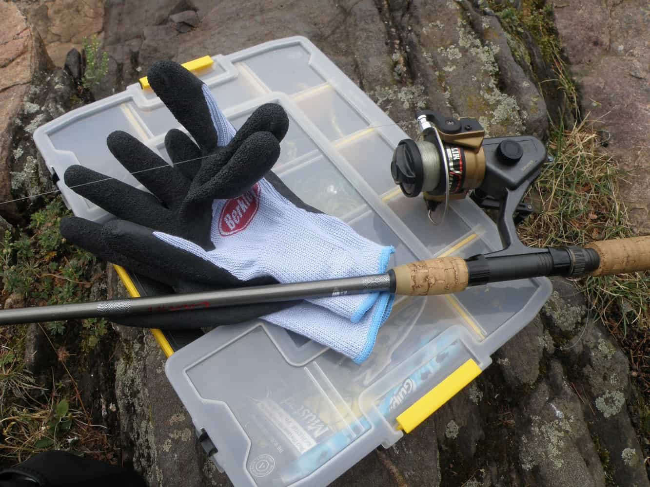 Fishing Gloves For a Great Day