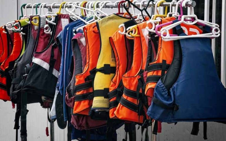The Best Life Jacket: Definitive Guide (2021)