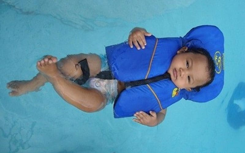 Can a 6 Month Old Wear a Life Jacket FI